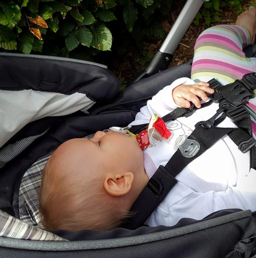 12von12: Baby schläft endlich
