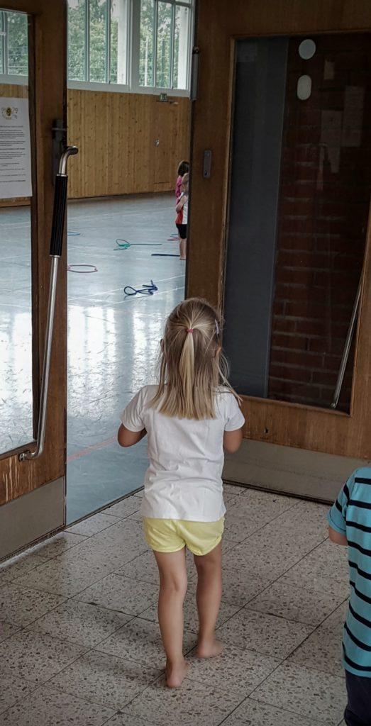 12von12: Kinderturnen in der Turnhalle