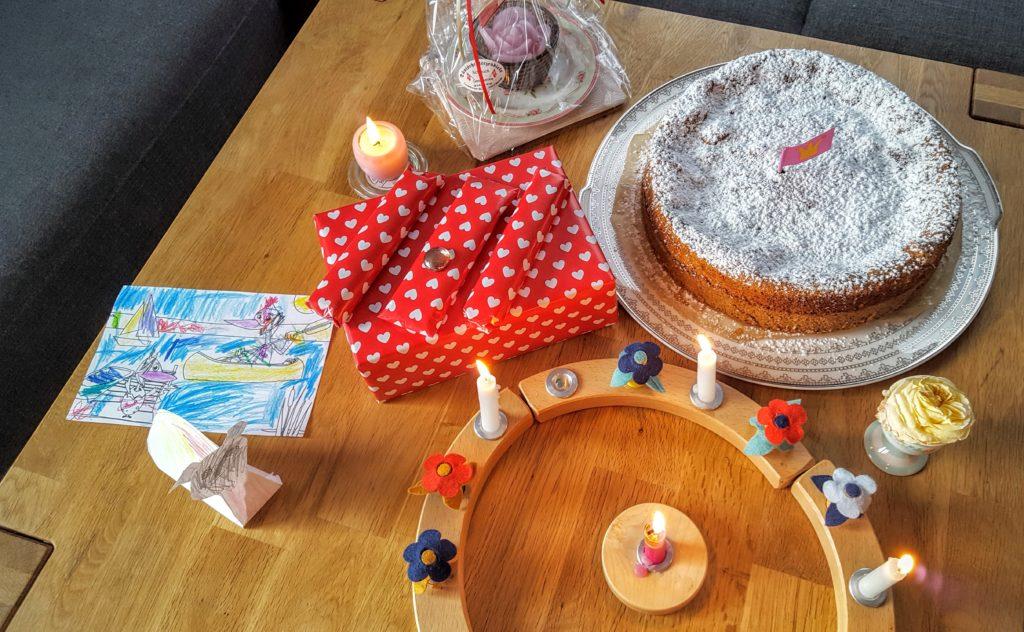 02-Geburtstagstisch-Wochenende-in-Bildern-20.08.16-Frau-Piefke-schreibt