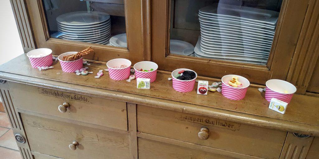 13-sweet-table-Taufe-Wochenende-in-Bildern