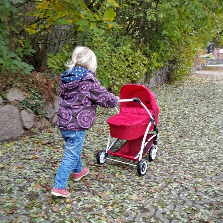 01 Titel Puppenwagen Spin von Brio Frau Piefke schreibt