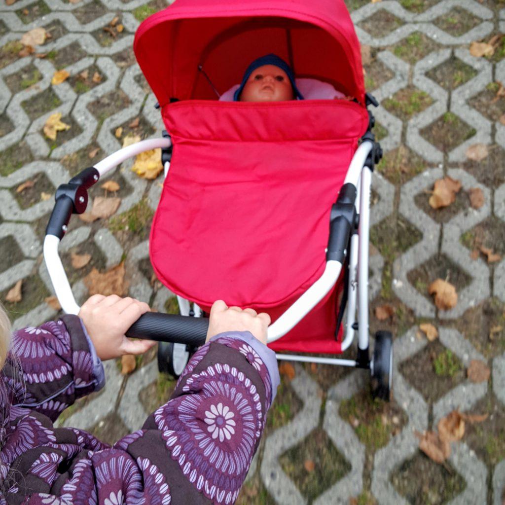 04 Schiebebügel Puppenwagen Spin von Brio Frau Piefke schreibt