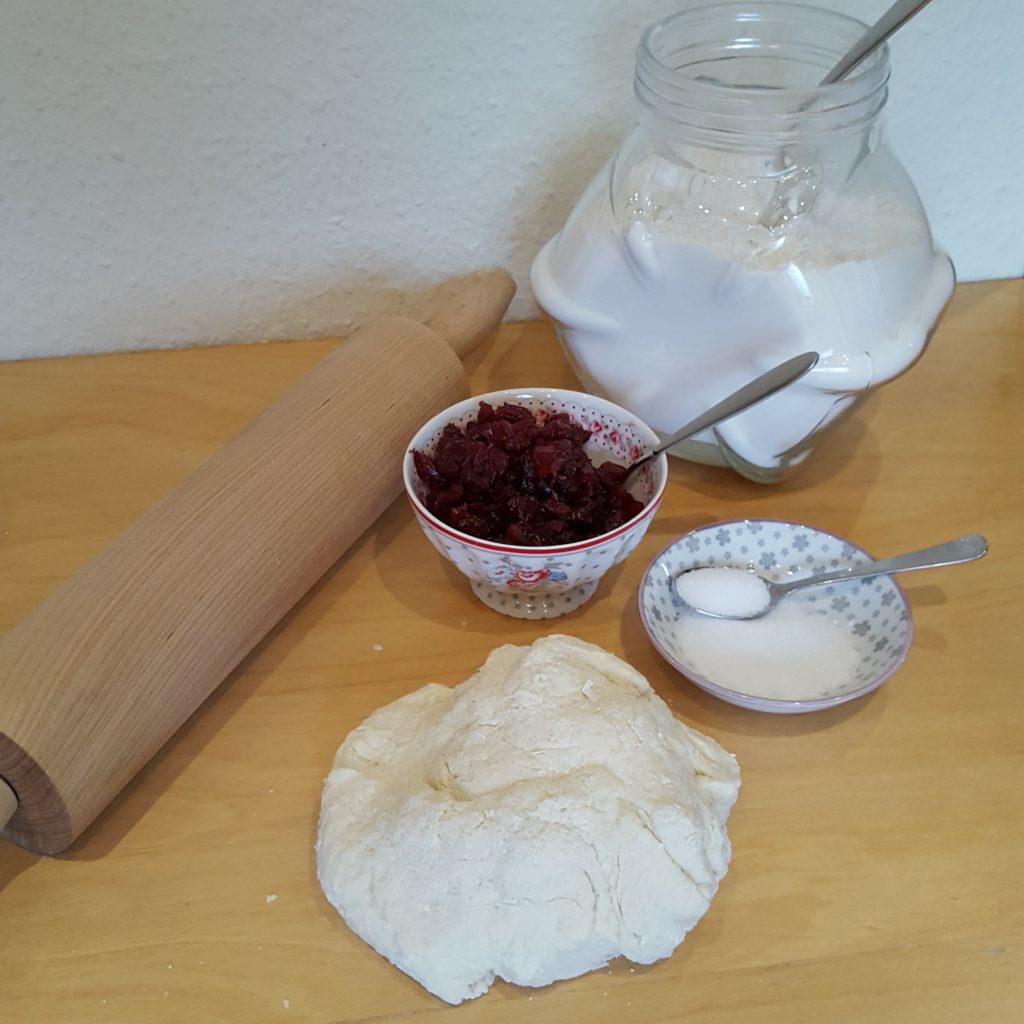Vorbereitung Teig Rezept Scones Cranberries Griechischer Joghurt Frau Piefke schreibt