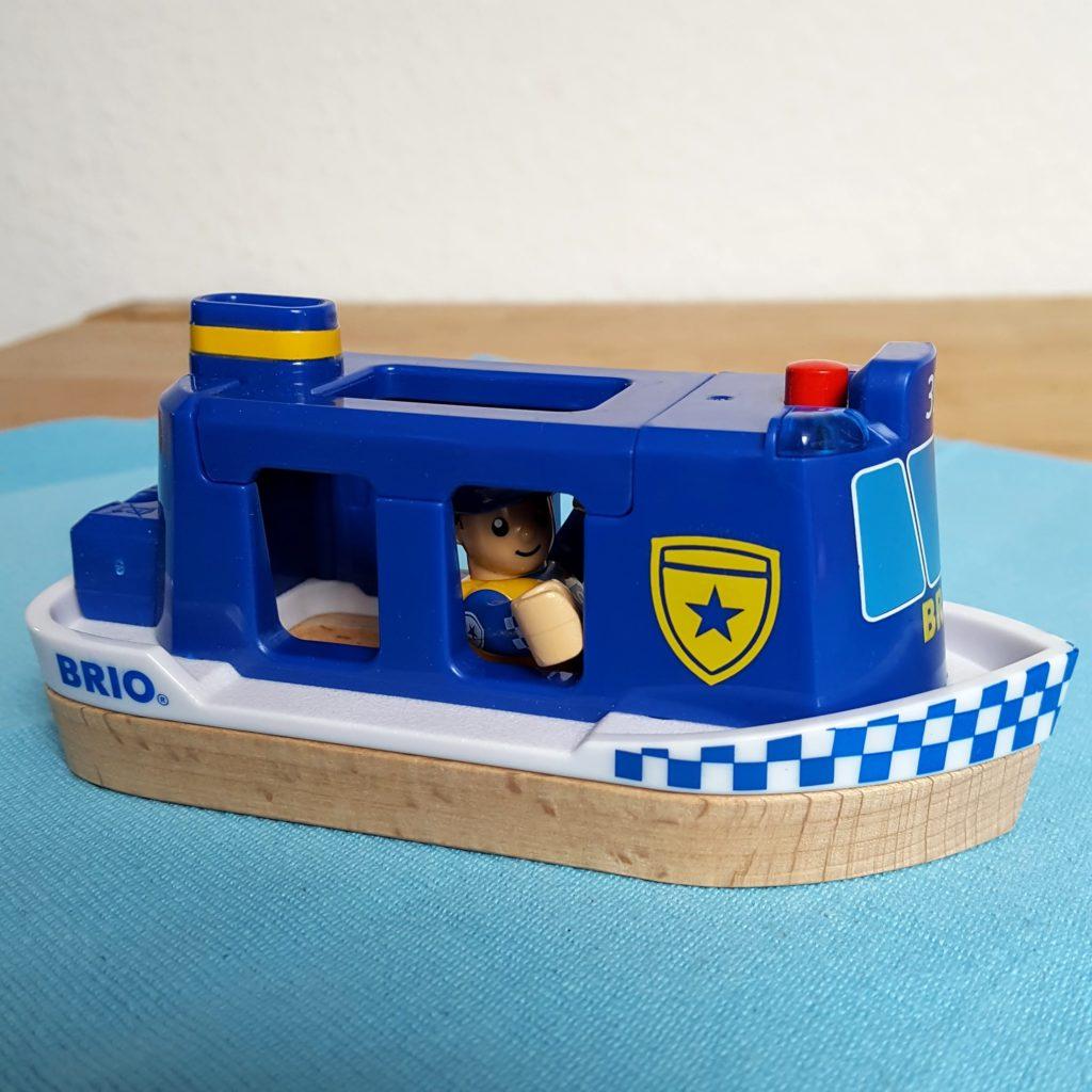 Polizeiboot mit Licht und Sound Brio Polizei Frau Piefke schreibt